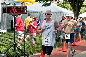Mark hobbles across the finish