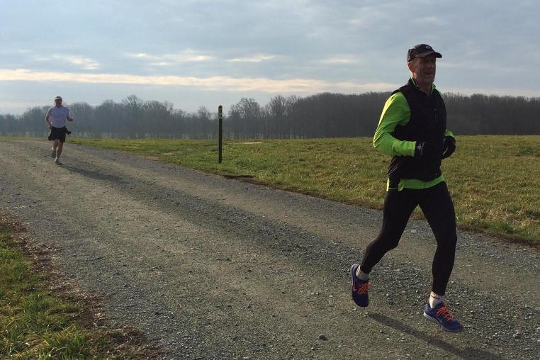 photo of Steve Tague finishing ahead of Mark Deshon